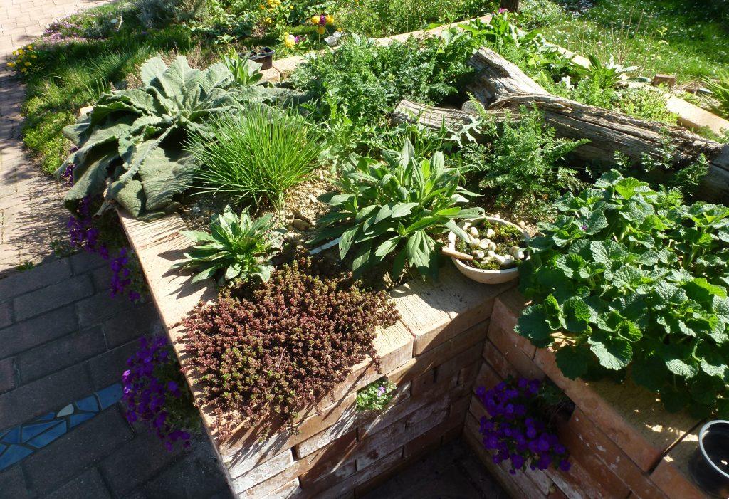 hot spot beet auf der terrasse hortus girasole. Black Bedroom Furniture Sets. Home Design Ideas